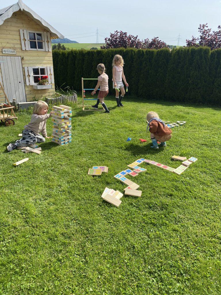 Holzspielzeug für draußen von small foot
